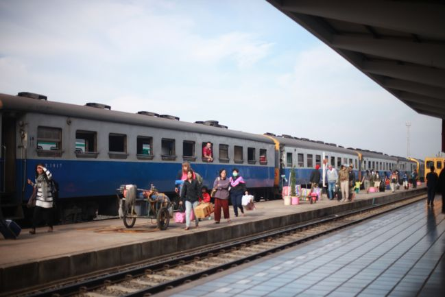 Travel notes on sleeper trains nong khai train station