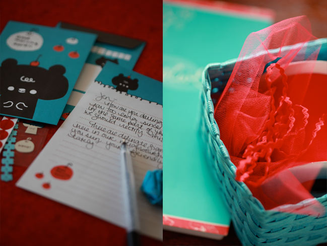 scrapbooking in red, white and aqua :: colour story