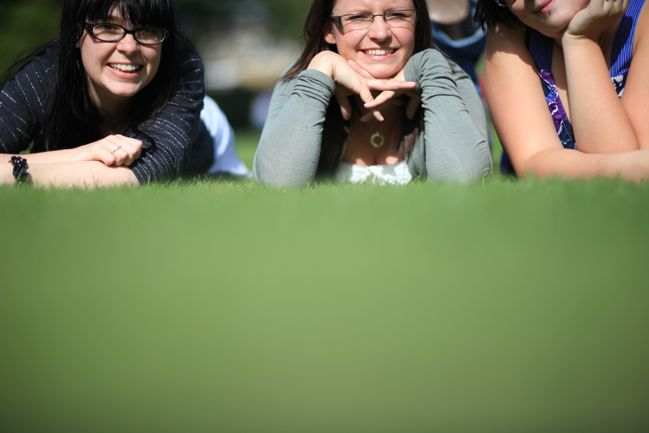 outtake :: friends in the grass