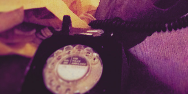 10 things :: old rotary phone