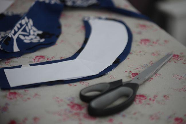 diy peter pan collar on a t-shirt tutorial