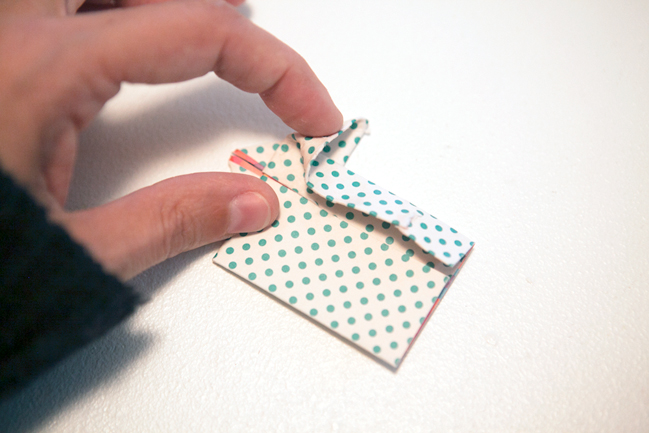 Origami Arrows:: A Scrapbook Tutorial by Marcy Penner @ shimelle.com