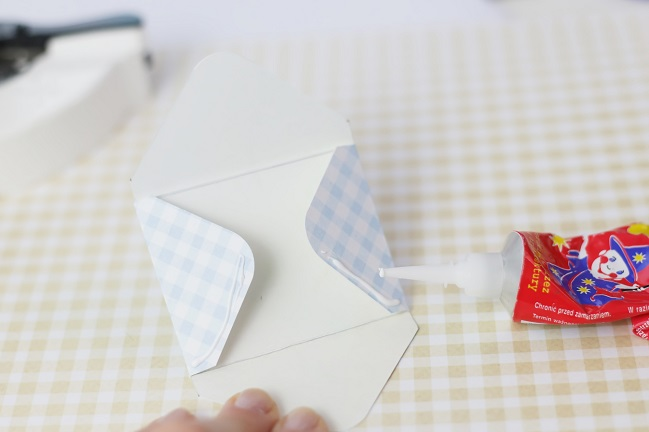 mini envelopes:: a scrapbook tutorial by magda mizera @ shimelle.com