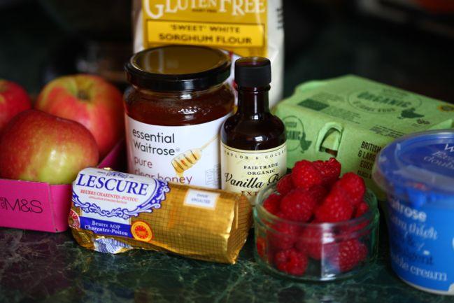 gluten-free apple raspberry honey cake #gbbo @ shimelle.com